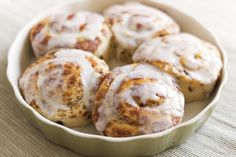 Make the Ultimate Vanilla-Frosted Cinnamon Roll with This Recipe