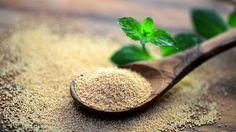 Die kleinen, nussigen Samen enthalten kein Gluten und schmecken sowohl in Süßspeisen als auch in herzhaften Gerichten. Wie lässt sich Amarant am besten zubereiten?