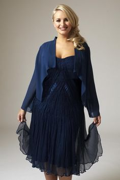 2b6b04b265c Plus Size Dress is a must have for a bridesmaid who has a full figure.