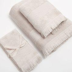 Come rinnovare il bagno spendendo poco - my touch design Towel, Bathroom, Design, Home, Washroom, Bathrooms, Downstairs Bathroom, Design Comics, Towels
