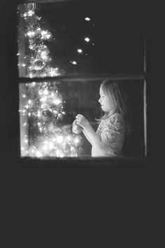 Black and white Christmas photography inspiration