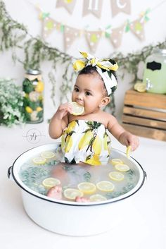 Milk Bath Photography, Baby Girl Photography, Photography Ideas, 6 Month Baby Picture Ideas, Baby Girl Pictures, Half Birthday Baby, Baby Milk Bath, Baby Monat Für Monat, Baby Fruit