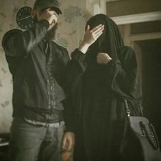 muslim couple in love shared by Muslim Couple Quotes, Cute Muslim Couples, Cute Couples Goals, Couples In Love, Movie Couples, Couples Images, Muslim Brides, Muslim Women, Muslimah Wedding Dress