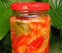 Salata de ardei cu vinete pentru iarna Canning Pickles, Pickels, Romanian Food, Preserves, Salsa, Mason Jars, Good Food, Favorite Recipes, Stuffed Peppers