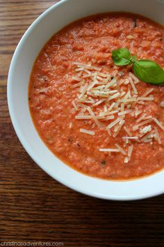 This easy & healthy tomato basil soup recipe is a perfect weeknight meal! It uses greek yogurt to thicken it up AND add more protein to the soup. Healthy Soup, Healthy Cooking, Healthy Eating, Healthy Recipes, Easy Recipes, Yogurt Recipes, Healthy Dishes, Soup Recipes, Dinner Recipes