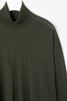 COS | Pleated back roll-neck