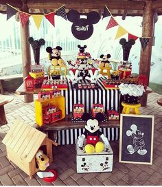 Festa Mickey. Pic via @tacidecor #blogencontrandoideias #encontrandoideias #fabiolateles
