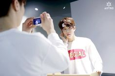 [04.04.16] Astro official Fancafe - Behind the scene from Music show promotions - Rocky e MyungJun