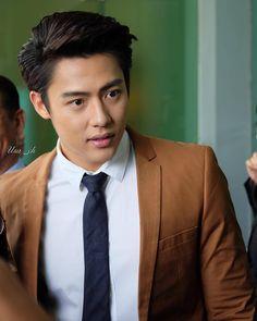 "22 lượt thích, 1 bình luận - I love PRIN SUPARAT (@ilove_pmark) trên Instagram: ""หล่อจังเลย #mark_prin Dr.usa_ch"" Asian Boys, Asian Men, Taiwan Drama, Mark Prin, African Print Fashion, Asian Actors, Actors & Actresses, Handsome, Thai Drama"