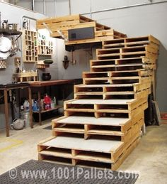 Pallet stairs #Pallets, #Stairs