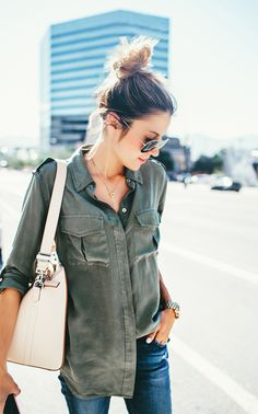 Military Fashion Trend Report - Yeah, We Would Wear It - Just The Design Basic Fashion, Look Fashion, Autumn Fashion, Fashion Outfits, Womens Fashion, Fashion Trends, Fashion Beauty, Green Shirt Outfits, Rock Outfits
