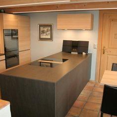 durch und durch Massivholz in der Küche Corner Desk, Furniture, Home Decor, Kitchen Contemporary, Corner Table, Decoration Home, Room Decor, Home Furnishings, Arredamento
