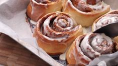 Cute Desserts, Delicious Desserts, Cinnabon Recipe, Best Cinnamon Rolls, Baking With Kids, Copycat Recipes, Cooking Recipes, Homemade, Food