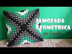 Almofada Geométrica em crochê por Carine Strieder YouTube