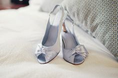 Lavender shoes. Photography By / http://kelleewalsh.com
