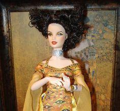 If It's Hip, It's Here (Archives): Mattel Releases New Fine Art Dolls. The DaVinci, Van Gogh & Klimt Barbies. New Fine Arts, Barbie Collector, Klimt, Van Gogh, Barbie Dolls, Art Dolls, Creativity, Wonder Woman, Superhero