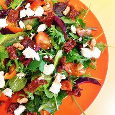 Healthy Living in Heels: Geitenkaas Salade met Zongedroogde Tomaatjes (V)