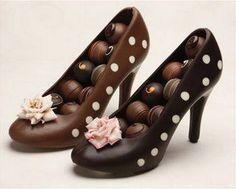 CRAZY for Chocolate! Chocolate shoes filled with chocolate! What else could a girl ask for? Chocolate Delight, Chocolate Heaven, Chocolate Shop, Chocolate Gifts, Chocolate Molds, How To Make Chocolate, Chocolate Lovers, Chocolate Desserts, Chocolate Making