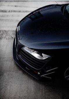 Audi R8..