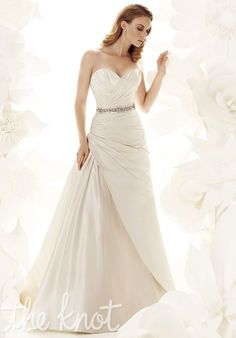 Great sweetheart neckline