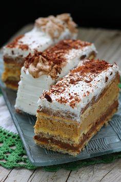 Torta nad tortama  -Milicaa74 Torte Recepti, Kolaci I Torte, Food Cakes, Cupcake Cakes, Baking Recipes, Cookie Recipes, Chocolate Bowls, Torte Cake, Bulgarian Recipes
