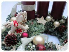 Adventi koszorúk, karácsonyi asztaldíszek, ajtókoszorúk – NONZA Virágdekoráció Advent, Christmas Wreaths, Holiday Decor, Home Decor, Decoration Home, Room Decor, Home Interior Design, Home Decoration, Interior Design