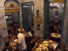 la bodeguita del-medio restaurant, with signed walls, habana-vieja-cub