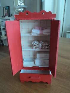 1000+ images about Speelgoedmeubeltjes on Pinterest  Antique dolls ...