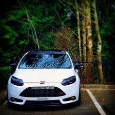 Ford Focus mk3 White ST #hoonigan