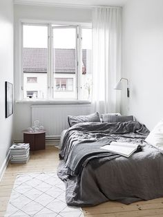 bedroom: small space, minimal, monochrome, wooden