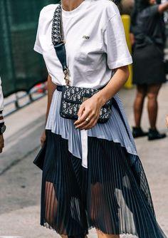 New York Fashion Week весна-лето 2018 - street style Street Style Fashion Week, Look Street Style, Fashion Mode, Minimal Fashion, Street Chic, Look Fashion, Trendy Fashion, Womens Fashion, Fashion Trends