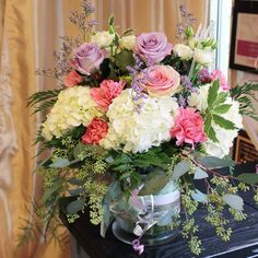 awesome vancouver florist Flowers to say Thank you for all your hard work ☺ #shoplocal #flowerdelivery #sunflowerflorist by @vancouverflower  #vancouverflorist #vancouverflorist #vancouverwedding #vancouverweddingdosanddonts