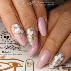 Wedding Nails-A Guide To The Perfect Manicure – NaiLovely Rose Gold Nails, Red Nails, Cute Nails, Pretty Nails, Floral Nail Art, Luxury Nails, Diy Nail Designs, Beautiful Nail Designs, Flower Nails