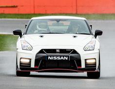 Nissan GT-R Nismo UK-spec (R35) '2017