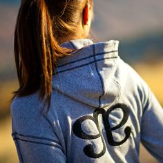 Albion Fit has the cutest workout clothes ever!!!! I need this signature hoodie!!