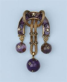 AN ANTIQUE AMETHYST, PEARL AND DIAMOND BROOCH
