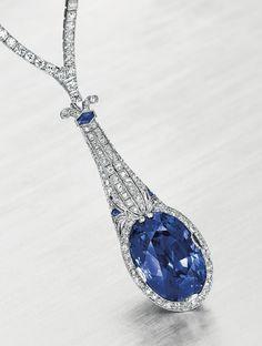 Tiffany & Co. Art Deco platinum and diamond necklace, with a detachable sapphire pendant, circa Bijoux Art Deco, Art Deco Jewelry, Fine Jewelry, Jewelry Design, Tiffany Necklace, Sapphire Necklace, Sapphire Pendant, Tiffany Rings, Bling Bling