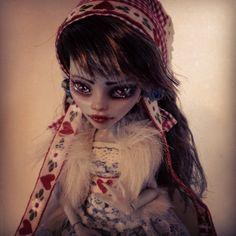 monster high custom doll  ooak monster thesleepyforest keberneteka cute kawaii repaint ghoulia folk
