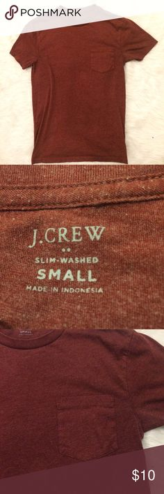 J crew slim washed small front pocket maroon shirt No flaws! 💥 Fast shipping! 🚛💨 No trades please! 🚫 Save 10% on all bundles! 💸 Make me an offer! 👗💕 J. Crew Shirts Tees - Short Sleeve