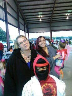 Me, my son, my brother's girlfriend, n her little girl, n Wifey behind the camera for Halloween