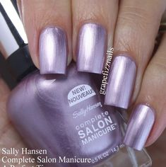 A Perfect Tin from the Berry Chic Collection Purple Chrome Nails, Chrome Nail Polish, Purple Nail Art, Metallic Nail Polish, Pink Nails, Glitter Nails, Sally Hansen, New Year's Nails, Hair And Nails
