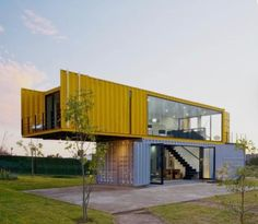 Container House - 4 Shipping Containers Prefab plus 1 for Guests - Who Else Wants Simple Step-By-Step Plans To Design And Build A Container Home From Scratch? Storage Container Homes, Building A Container Home, Container Cabin, Container House Plans, Container Office, Cargo Container, Container Store, Prefab Container Homes, 20ft Container