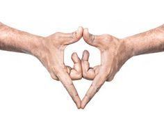 Restablece el flujo de energía con un gesto | Revista CiudadYOGA