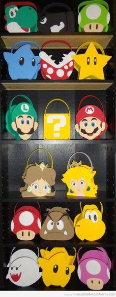 Manualidades en goma eva, bolsos con personajes de Mario Bros