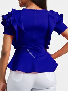 Calf Sleeve, Africa Dress, Blouse Models, Chic Outfits, African Fashion, Blouses For Women, Casual Wear, Peplum Tops, Peplum Blouse