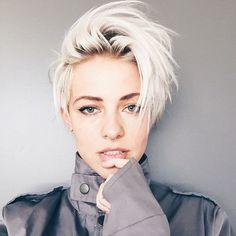 Brittenelle Fredericks / platinum hair, bleached hair, roots, rooty look, bleach, platinum, short haircut