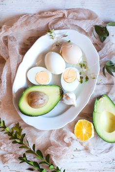 jajka faszerowane awokado Ramadan, Camembert Cheese, Chili, Dairy, Eggs, Breakfast, Morning Coffee, Chile, Egg