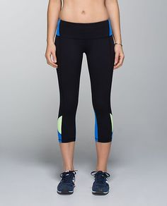215490f622db0e lululemon embody crop *full-on luon Lululemon Athletica, Running Gear,  Athletic Outfits