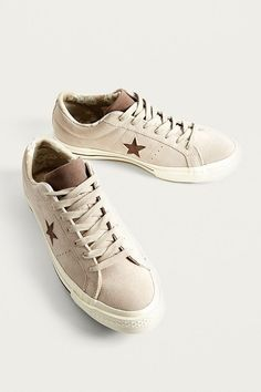 Shop Converse One Star Papyrus Suede Trainers at Urban Outfitters today. Gym Style, Out Of Style, Urban Outfitters Men, Converse One Star, Going Out, Lace Up, Sporty, Stars