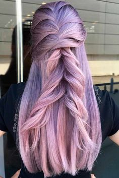 Purple hair is now a huge trend among chic fashionistas and celebrities. Kesha and Katy Perry rock this hair color. If you are a frequent user of Tumblr, you must have seen all those gorgeous photos with purple locks and braids.